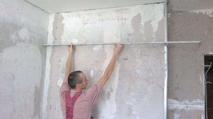 как выравнивают стены гипсокартоном видео