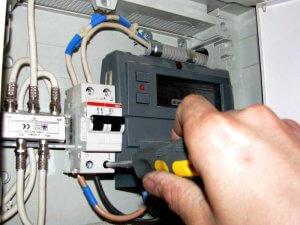 установка автомата в электрощиток