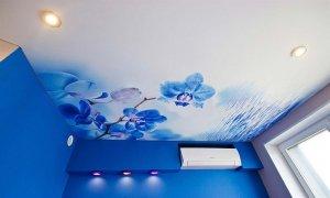 дизайн потолка с рисунком