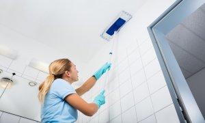 как помыть матовый натяжной потолок