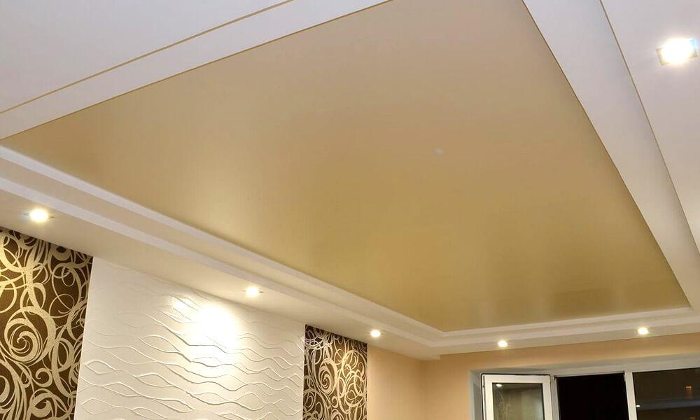 бежевый матовый потолок