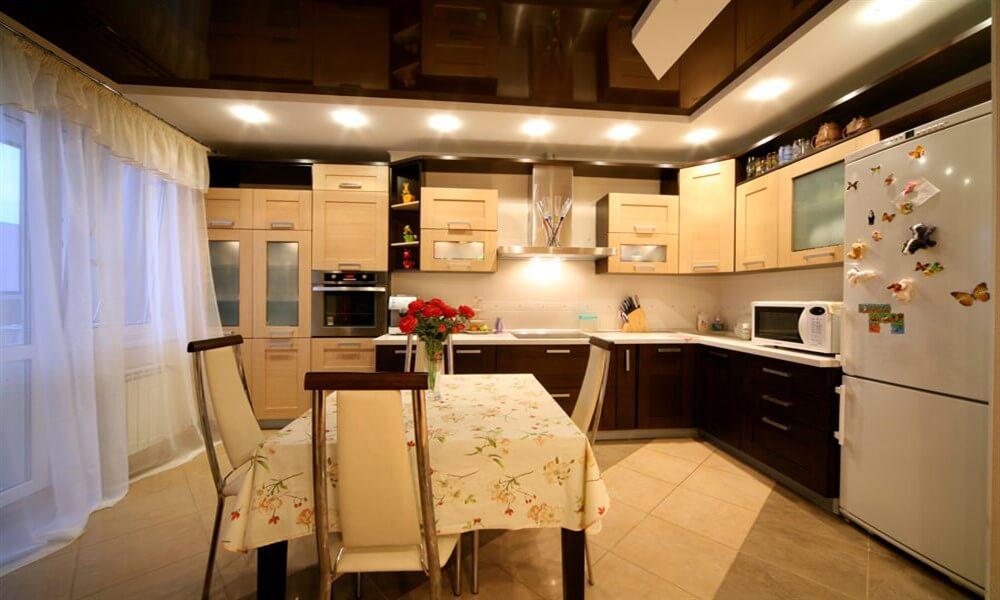 монтаж натяжных потолков на кухне Севастополь